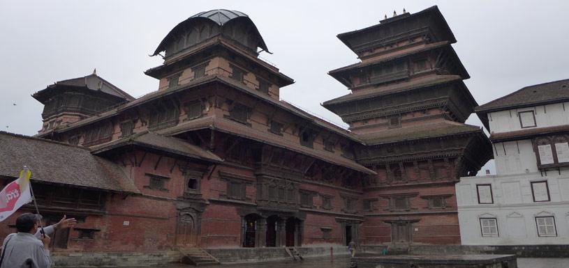 9 storey Palace