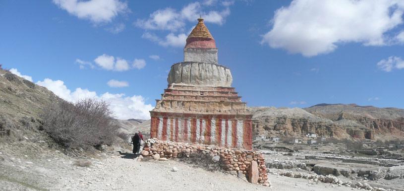 Buddhist stupa near Lo-Mangthang